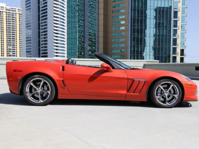 Pre-Owned 2011 Chevrolet Corvette Z16 Grand Sport w/3LT