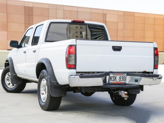 Pre-Owned 2000 Nissan Frontier 4WD 4X4