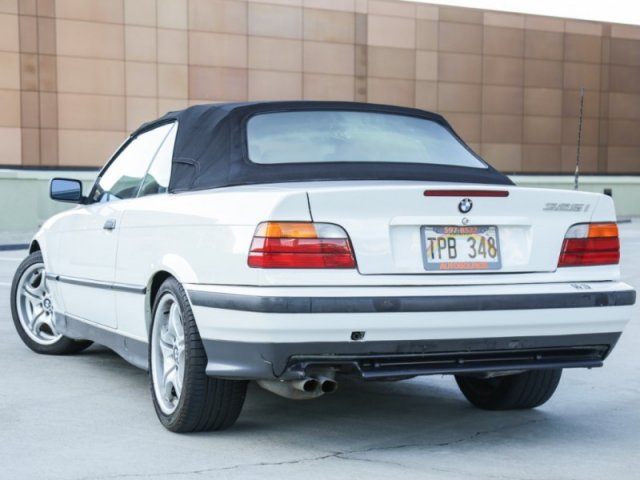 Pre-Owned 1994 BMW 3 Series 325iC